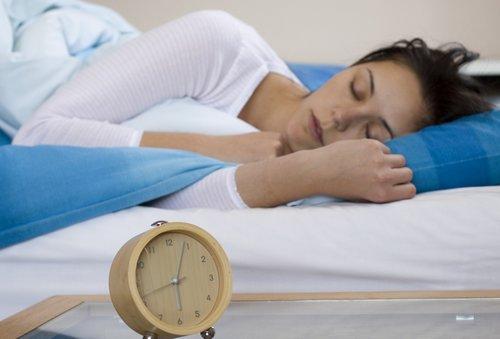 Ezért lenne jó a testnek, ha csak 9 óra után kezdődne a munka