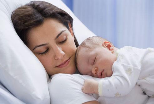 Kisbabád nem hagy éjjel aludni? Íme a megoldás!