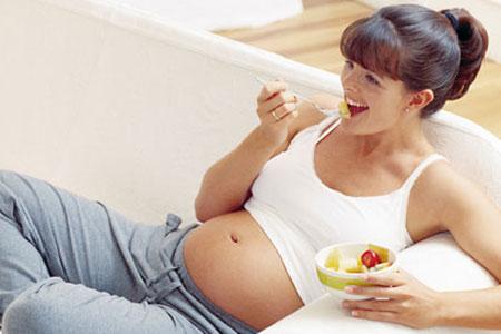 Súlyos tévhit, hogy a várandós kismamáknak így kell enni